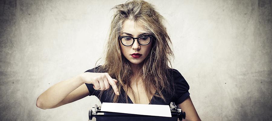 Женщина копирайтер